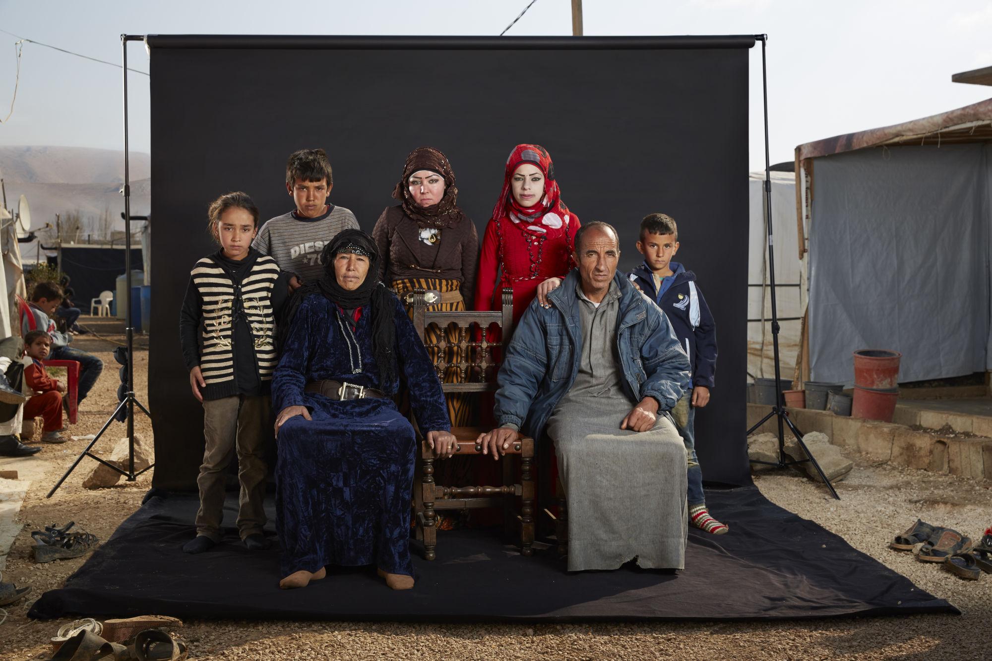Il y a juste un an, Mohammed, 55 ans, était assis dans son salon avec sa famille lorsqu'un missile est tombé sur la maison.
